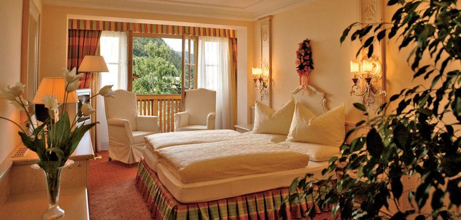 Hotel Salzburgerhof, Zell am See, Austria - bedroom.jpg